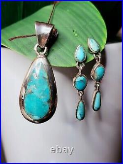 Beautiful Turquoise & Sterling Silver Pendant & Earrings Set